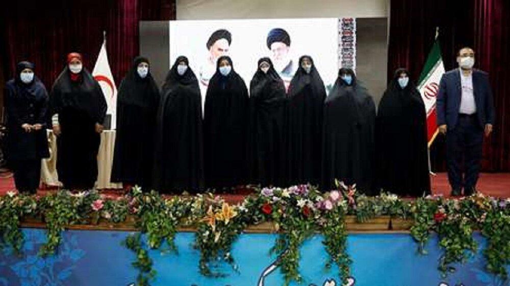 آیین تجلیل از زنان امدادگر دوران دفاع مقدس در هلال احمر برگزار شد